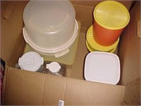Vintage Tupperware / Plastic Ware