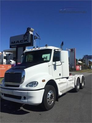 2005 Freightliner COLUMBIA 120 - Trucks for Sale