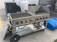 Crown Verity S/S Propane BBQ w/ 2 Covers
