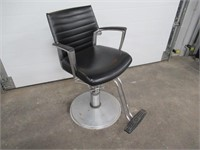 Global SalonStylist Chair, Pump Up