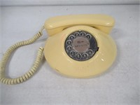 Vintage Bell Canada Rotary Dial Phone