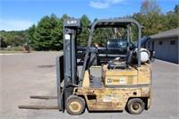Caterpillar T50 D SA Forklift