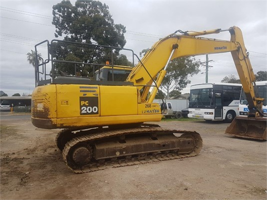 2009 Komatsu PC200-7 - Heavy Machinery for Sale