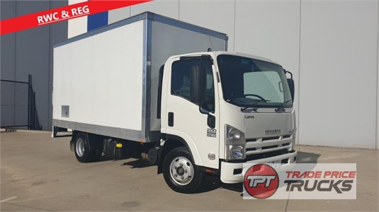 2010 Isuzu NPR 200 Trade Price Trucks  - Trucks for Sale