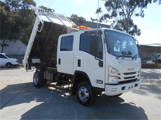2016 Isuzu NPS 300 4x4 City Hino - Trucks for Sale