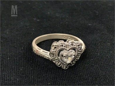 Sterling Silver Cz Ring Heart Shaped Face Otros Artículos - my crush gave a diamond ring to my twin sister roblox royale