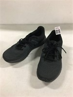 UNDERARMOUR BLACK SNEAKERS SIZE 7.5