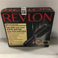 REVLON HAIR DRYER AND VOUMIZER