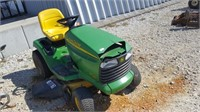 John Deerre LT160 Lawn Tractor