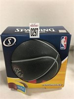 SPALDING MINI BALL AGES 3+