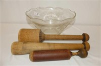 Punch Bowl w/3 Wooden Mashers