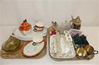 Orange/Black Luncheon Set, Musical Knitting Kitten