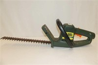 """B&D 16"""" Electric Hedge Trimmer"""