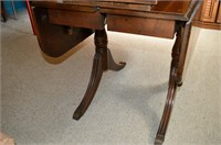Duncan Phyfe Drop Leaf Table with (2) Leaves