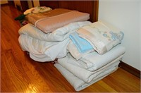 Grp, of Linens and Blankets, Pillows