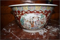 2X$ - Hp Deep Chinese Bowls Decorated With Women &