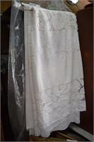 3 Linen Table Cloths