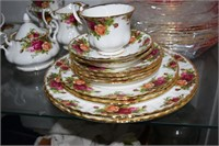 63 Pieces Royal Albert Old Country Rose Including