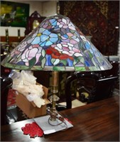 Tiffany Style Stained Glass Lamp With Floral Desig