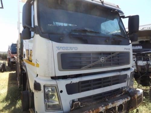 2005 Volvo FM12 - Wrecking for Sale