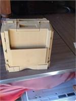 thread and neadle box