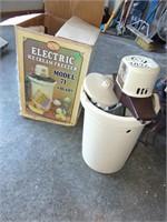 4 Qt. Electric Ice Cream Freezer