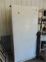 Frigidaire Stand Up Commercial Freezer