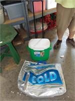 Coleman Rolling Cooler + (2) Cooler Bags