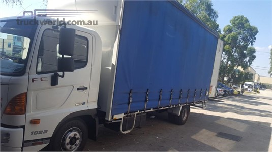 2011 Hino 500 Series 1022 FC - Trucks for Sale
