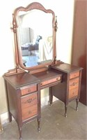 7-drawer antique vanity 46x18x70 H