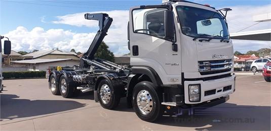 2019 Isuzu FYH 300-350 - Trucks for Sale