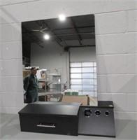 "Salon Stylist Workstation with Mirror 32"" x 36"""