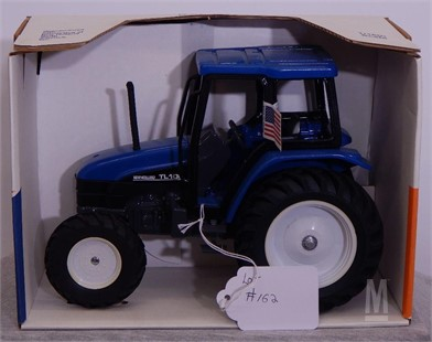 SCALE MODELS NEW HOLLAND TL100 Other