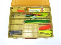 Plano Magnum box with plugs (33) and spoons (11)
