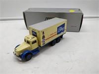 DMC Blatz beer truck 102 Mack LJ