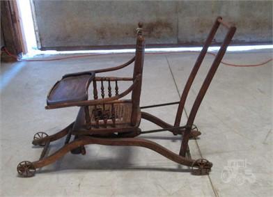 Antique Stroller High Chair Andere Artikel Zum Verkauf 1