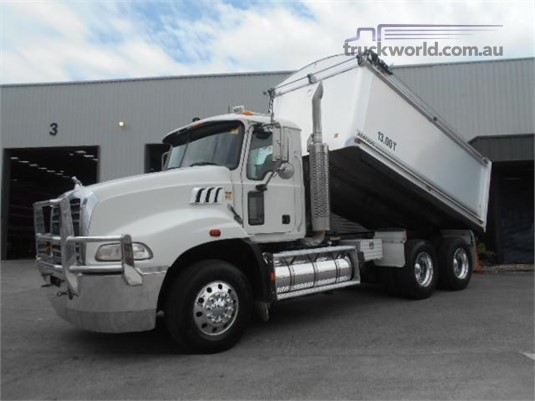 2009 Mack Granite - Trucks for Sale