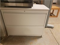 (5) 2-Drawer File Cabinet  $25.00 Reserve