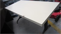 (22) 4-foot table  $10.00 Reserve