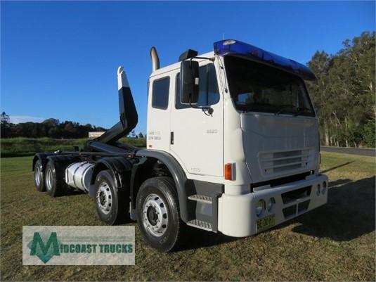 2009 International Acco 2350G Midcoast Trucks - Trucks for Sale