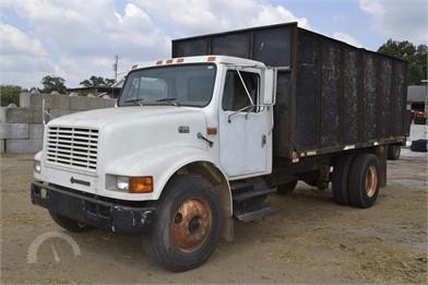 Farm Trucks / Grain Trucks Online Auctions - 23 Listings