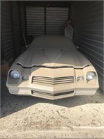 1981 Chevy Camaro Z28 and unit contents