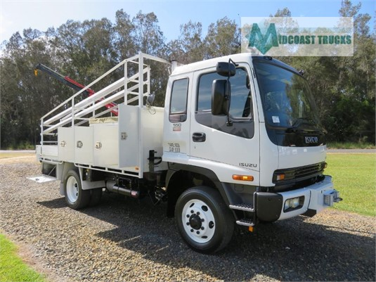 2006 Isuzu FSS 550 4x4 Midcoast Trucks - Trucks for Sale