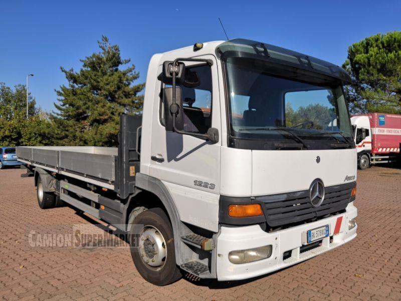 Mercedes-Benz ATEGO 1223 Uzywany 2000 Lombardia