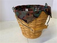 Medium market basket and pail basket.