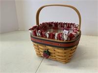 BBQ buddy basket with classic blue