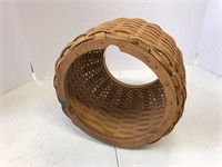 Small boardwalk basket and