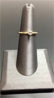 10KT GOLD DIAMOND SOLITAIRE RING