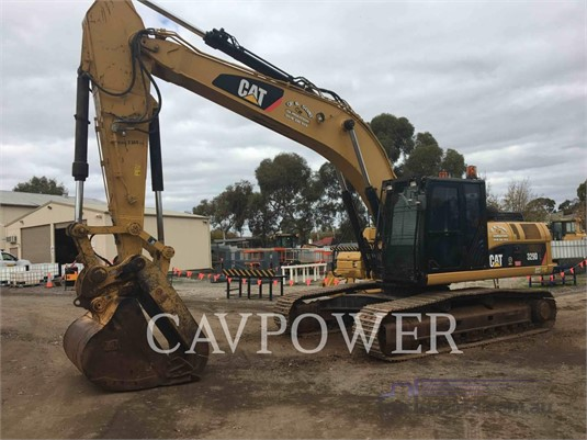 2011 Caterpillar 329DL - Heavy Machinery for Sale
