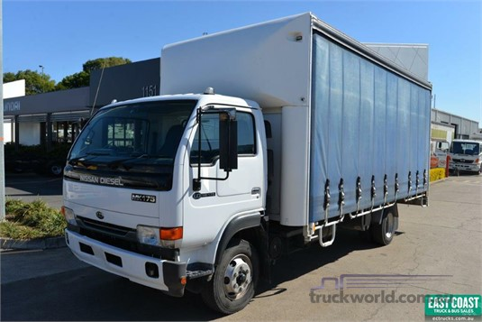 2005 UD MK175 - Trucks for Sale